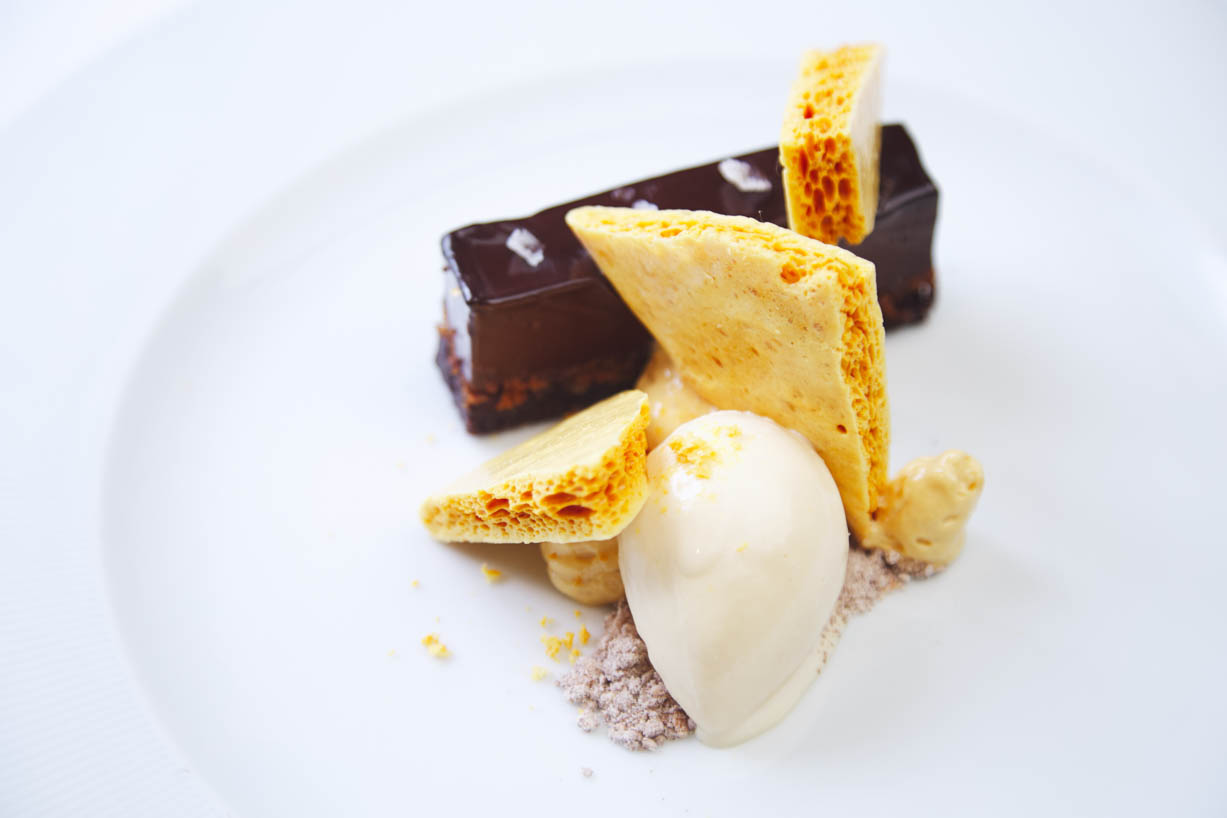 homegreeenes-restaurant-cork-chocolate-cremeux-tart-honeycomb-barley-01.jpg