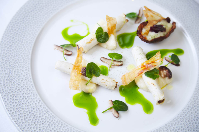 homegreenes-cork-celeriac-ballyhoura-mushroom-pickles-jerusalem-artichoke-gorse-kombucha-vinegar-dressing-03.jpg