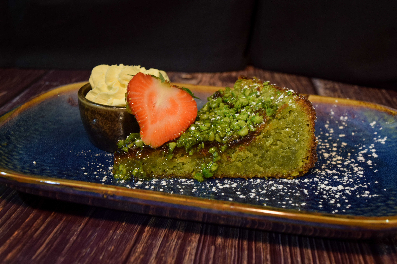 pistachio-cake.jpg
