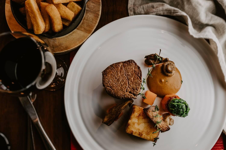 oneills-bistro-fillet-steak.jpg