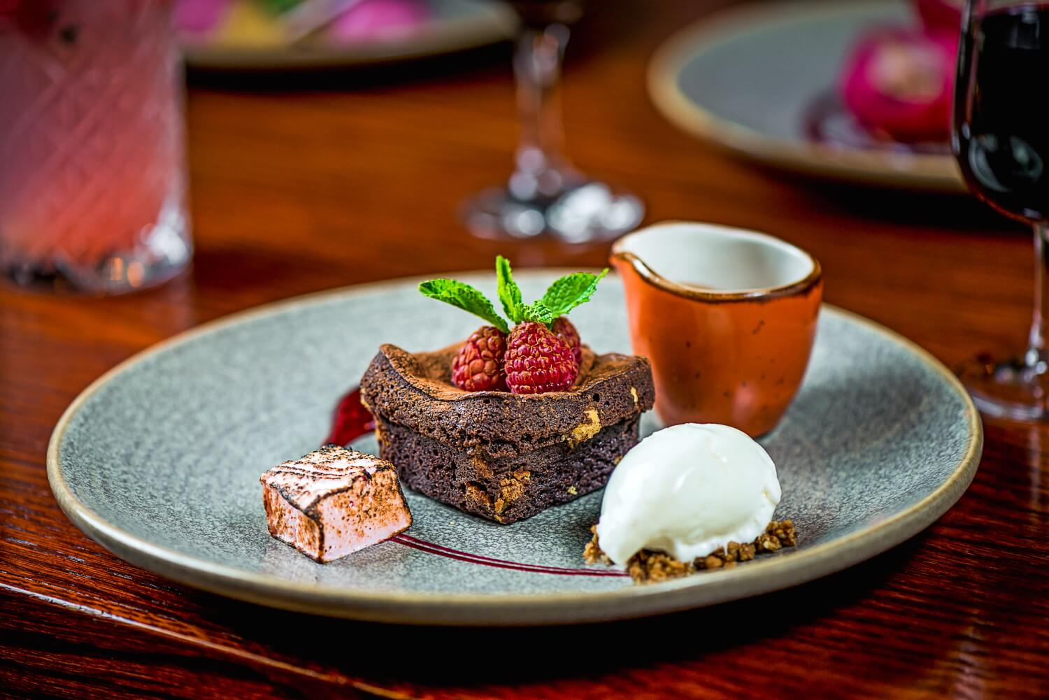freddys-bistro-warm-chocolate-brownie.jpg